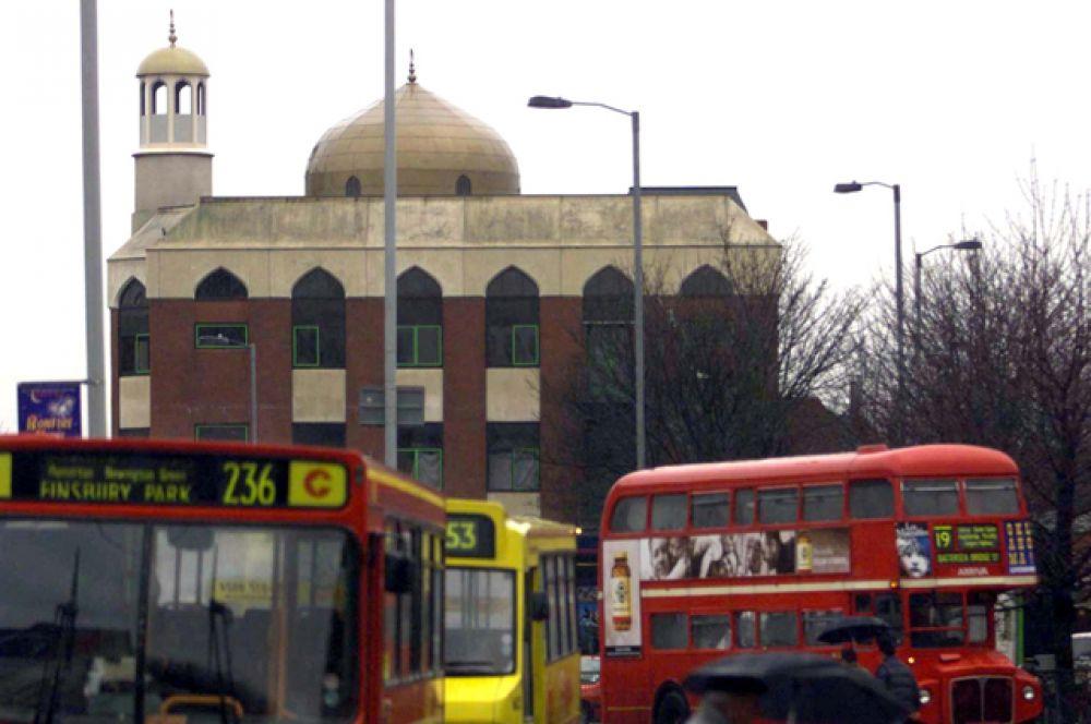 Мечеть в парке Финсбери на севере Лондона.