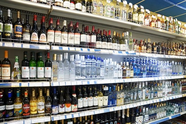 Полиция пресекла факты продажи алкоголя на вынос после 21:00
