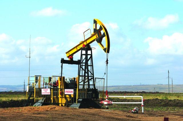 Нефть дешевеет из-за статистики побуровым установкам вСША