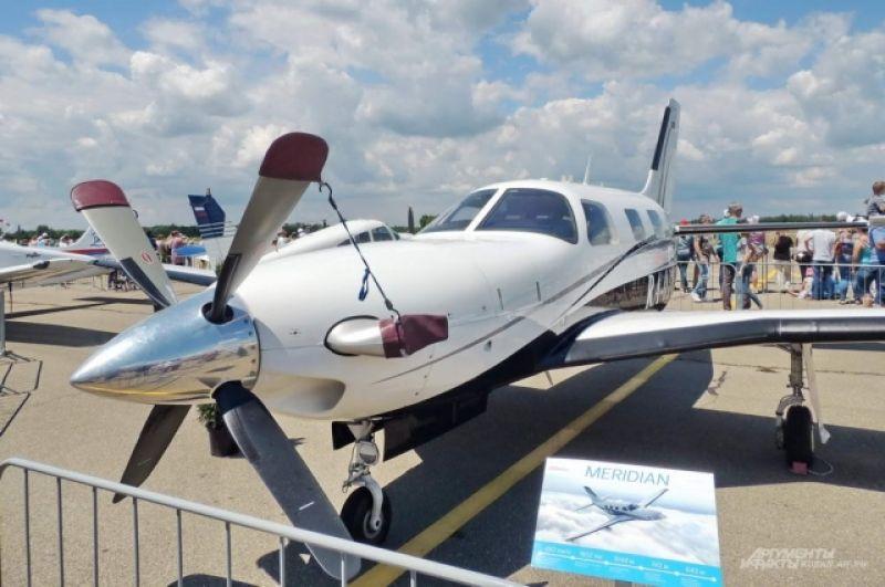 Шестиместный одномоторный турбовинтовой самолет Piper Meridian.
