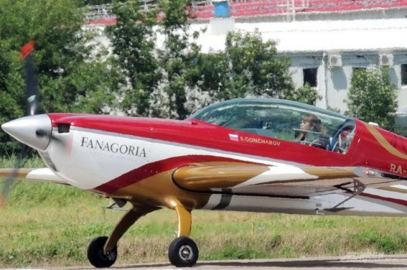 Светлана Капанина занесена в Книгу рекордов Гиннесса как самый титулованный пилот в женском зачете в мировой спортивной авиации.