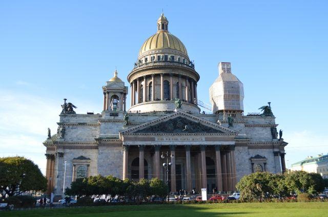 Споры о статусе Исаакиевского собора идут с начала года.
