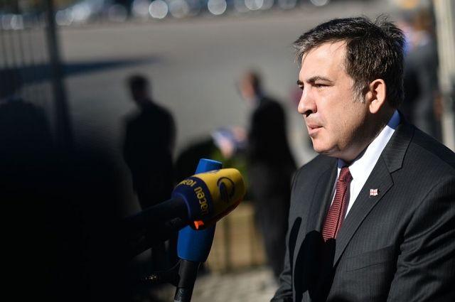 Саакашвили в Кривом Роге закидали яйцами и облили зеленкой