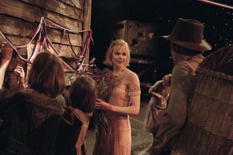 В 2003 году Кидман снялась в экспериментальном фильме одного из самых известных и спорных европейских кинорежиссёров Ларса фон Триера «Догвилль».