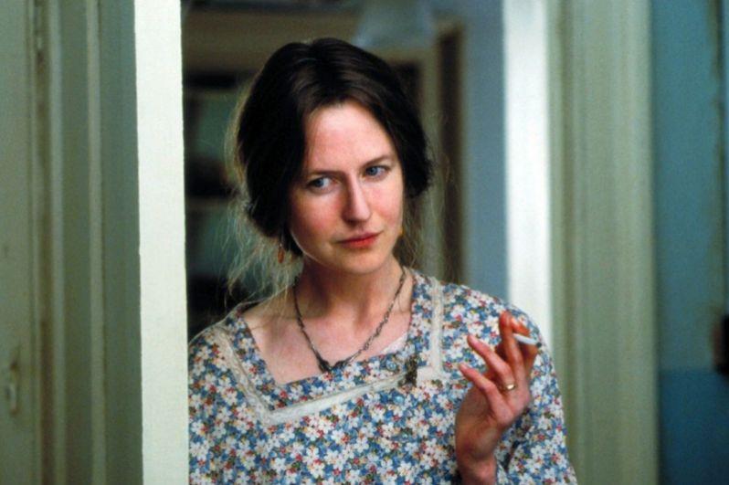 Затем актриса взялась за сложную роль английской писательницы Вирджинии Вулф в фильме «Часы» режиссёра Стивена Долдри по одноимённому роману Майкла Каннингема, получившему Пулитцеровскую премию. Картина стала одной из самых громких премьер 2002 года, а Кидман получила приз Берлинского кинофестиваля, премию Британской киноакадемии, «Золотой глобус» и, наконец, «Оскар».