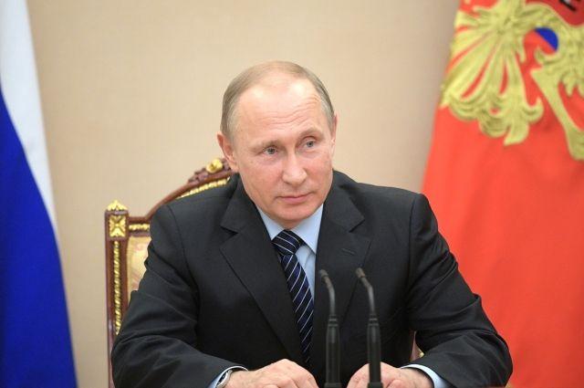 Путин предложил подготовить программу, которая решит проблему с яслями