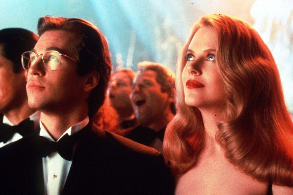 В 1995 году Кидман снялась в блокбастере «Бэтмен навсегда» в роли доктора Чейз Меридиан. Её партнёрами стали Вэл Килмер, Джим Керри, Томми Ли Джонс и Дрю Бэрримор.
