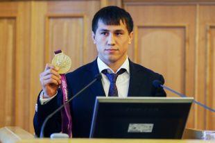 Олимпийский чемпион выступил в новой для себя весовой категории