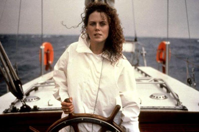Первым голливудским проектом актрисы была роль в триллере «Мёртвый штиль» (1989), где она сыграла жену морского офицера Рэй Инграм. Несмотря на австралийский актёрский состав и съёмочную группу, картина имела успех во всём мире и получила лестные отзывы от критиков.