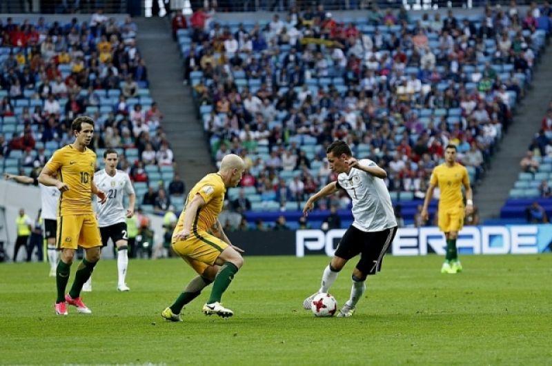 Немецкий футболист Юлиан Дракслер признан лучшим игроком в матче с Австралией 19 июня.