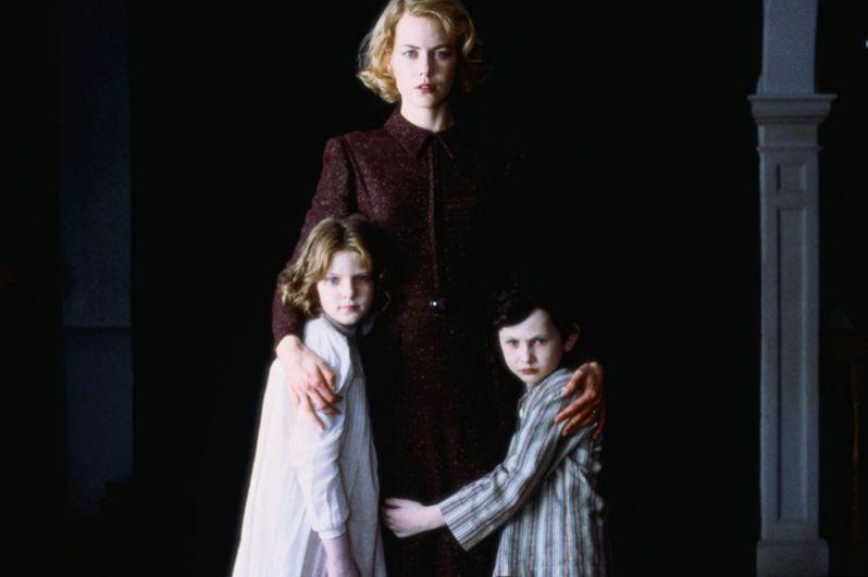 Следующей важной вехой в карьере актрисы стала роль Грэйс Стюарт в мистическом триллере Алехандро Аменабара «Другие» (2001).