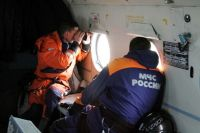 На месте происшествия работают спасатели