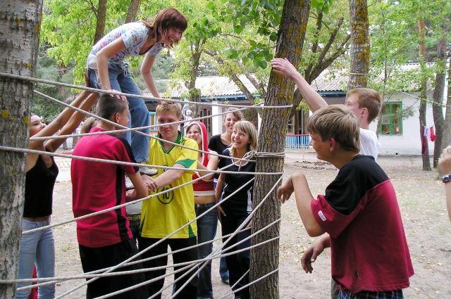 В Кузбассе закрыли нелегальный детский лагерь, всех детей вывезли.