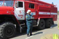 На тушении пожара работали 9 сотрудников МЧС.