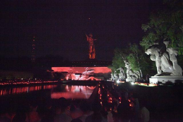 11:29 20/06/2017  0 56  В Волгограде 21 июня пройдет акция Свеча памятиГорожане зажгут более 400 свечей-лампад