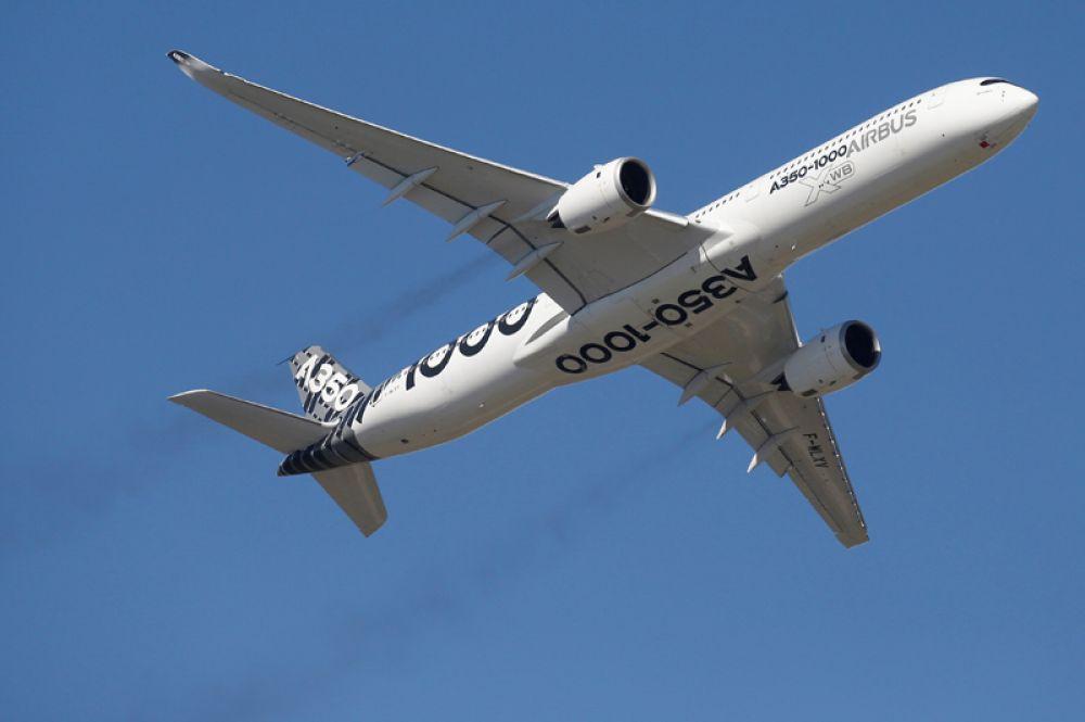 Дальнемагистральный широкофюзеляжный двухдвигательный пассажирский самолёт Airbus A350-1000.