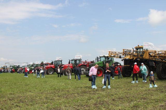 Наибольший интерес у аграриев вызвали премьерные показы техники.