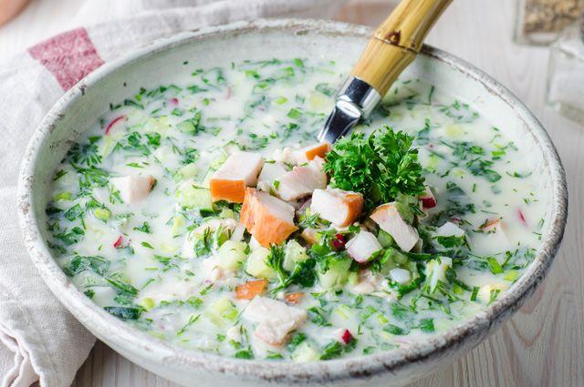 Окрошка хорошо освежает, однако в жару этим блюдом легко отравиться.