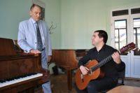 Алекасанд Данилов и по сей день немало времени проводит со студентами  в учебном классе.