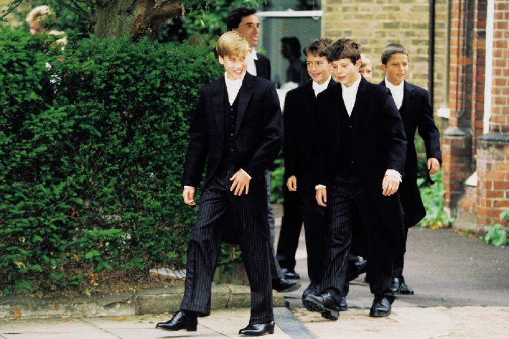 5 сентября 1995 года. Первый день принца Уильяма в Итоне — престижной школе для мальчиков.