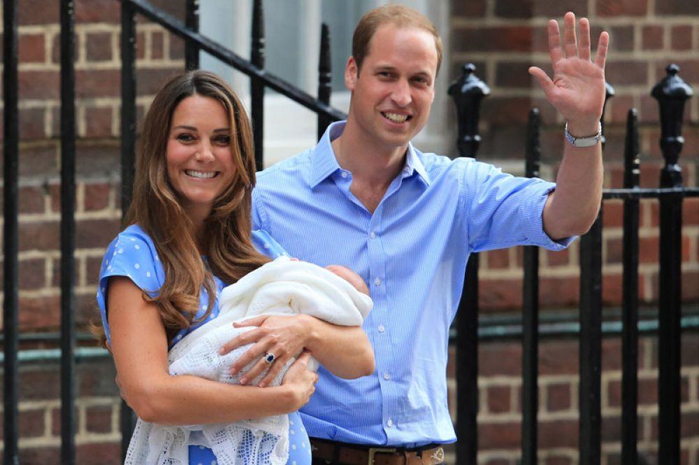 22 июля 2013 года. У принца Уильяма и герцогини Кембриджской Кейт Миддлтон родился первый ребенок, Джордж Александр Луи.