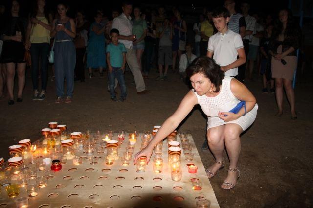 ВТвери зажгли свечки Памяти
