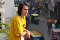 Антон Голышев не может выехать из Индии.