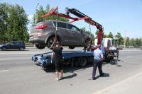У тюменских водителей со штрафами от десяти тысяч рублей арестовывают авто