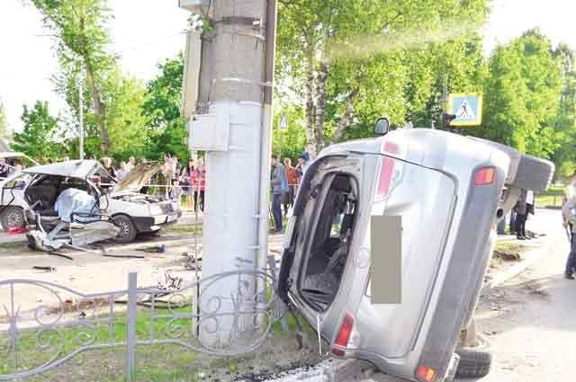Авария на перекрёстке улиц Суворова и Пролетарской унесла жизнь матери двоих детей.