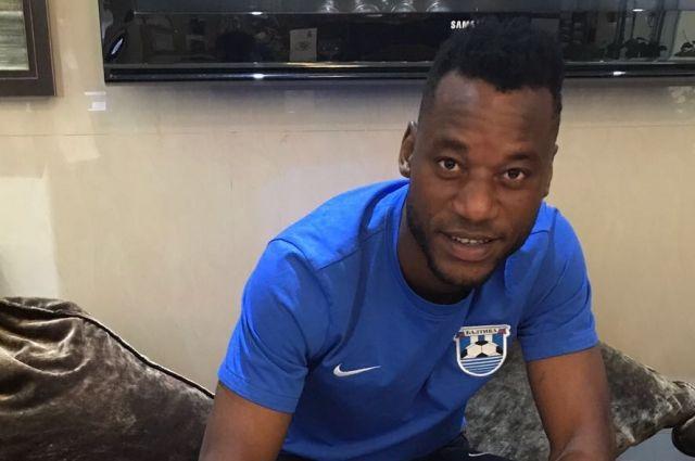Сенин Себаи подписал контракт сроком на год.
