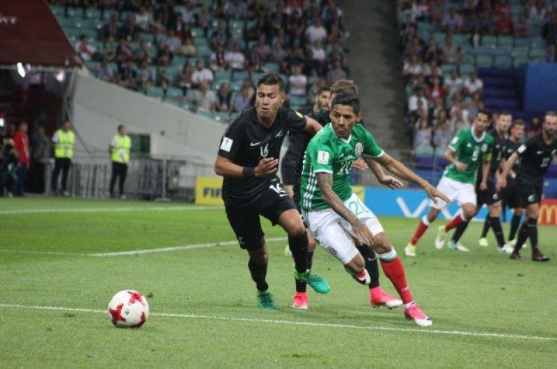 Мексиканцы, победив Новую Зеландию, вышли на первое место в группе, оставив позади и Португалию с Роналдо, и сборную России.