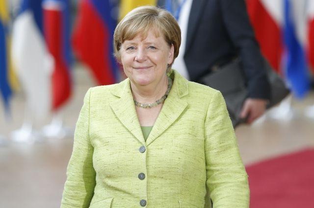 Меркель поддержала планы Мэй, касающиеся прав граждан ЕС после Brexit