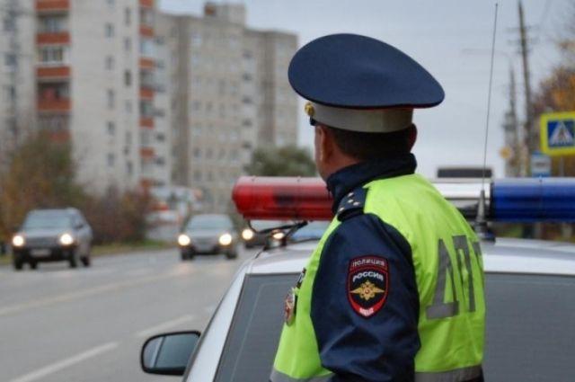 Омские сотрудники ГИБДД регулярно проводят рейды по проверке тонировки.