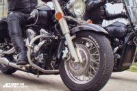 Под Калининградом мотоциклист уехал с места ДТП, бросив пассажирку у дороги.