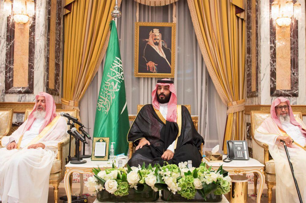 21 июня. Король Саудовской Аравии Салман ибн Абдул-Азиз Аль Сауд сменил наследного принца. Королевским наследником назначен 31-летний сын Салмана Мухаммед бен Салман (на фото в центре).