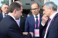 Михаил Бабич и Александр Бречалов на конференции в Китае.