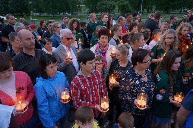В Перми 22 июня около монумента Героям фронта и тыла прошла традиционная акция «Свеча памяти».