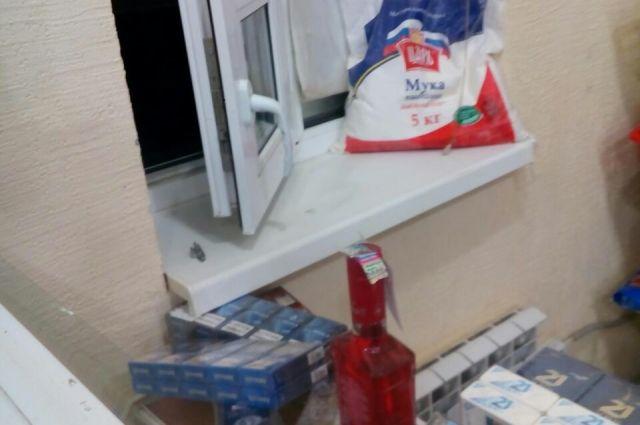 В Кузбассе продавщица ограбила магазин, в котором работала.