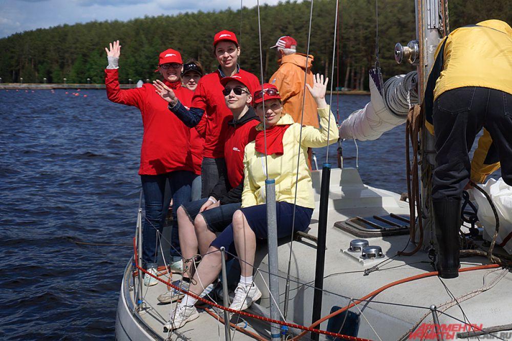 Регата началась с заплыва журналистов. В гонке участвовала и команда газеты «АиФ-Прикамье».
