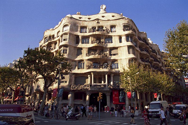 Дом Мила, Барселона.