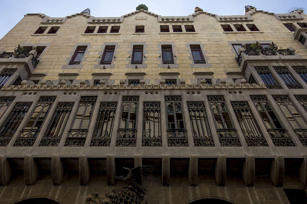 Дворец Гуэля, Барселона.
