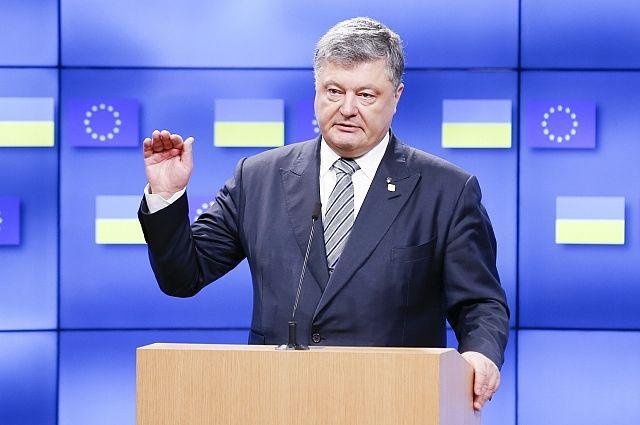Порошенко назвал сроки заключения соглашения с США о поставке оружия
