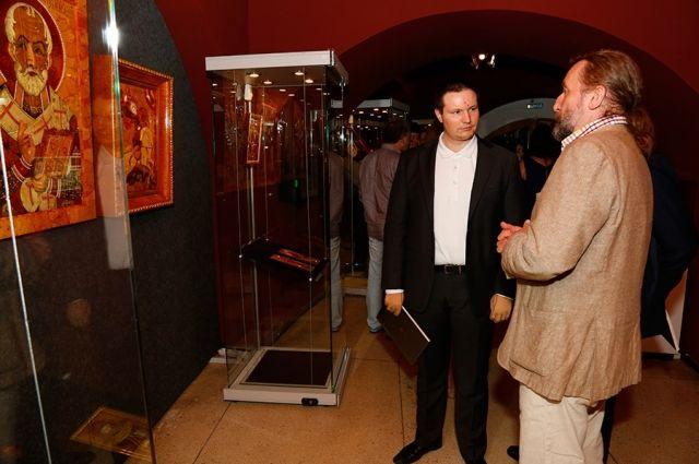 Реставратор Янтарной комнаты привез в Калининград уникальную выставку икон.