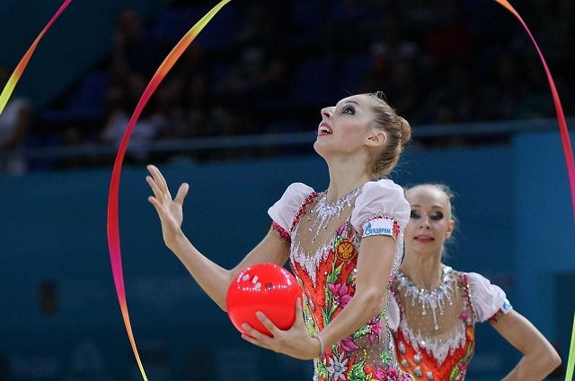 В многоборье в групповых упражнениях сборная России заняла второе место.