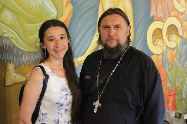 Отец Александр с корреспондентом «АиФ Оренбург» Людмилой Максимовой.