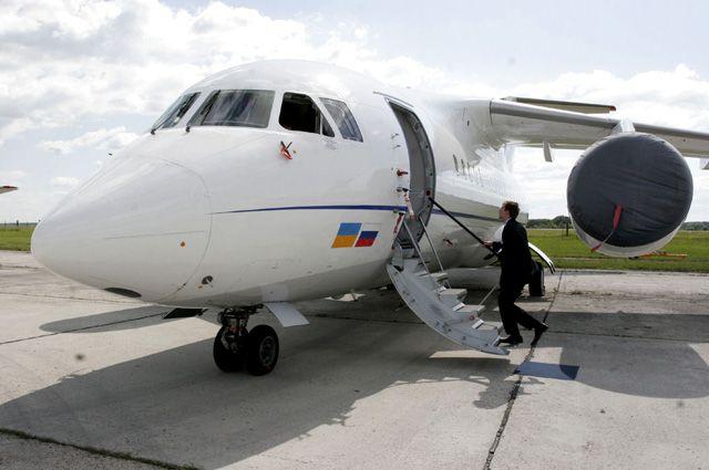 Ан-148.