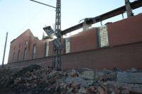 Челябинск пережил уже немало катаклизмов - от падения метеорита рухнула стена завода, а недавний ураган превратил некоторые дороги в полосу препятствий.