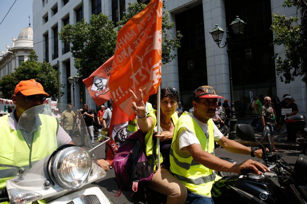 В настоящее время греческие коммунальщики работают по краткосрочным договорам и неполный рабочий день.