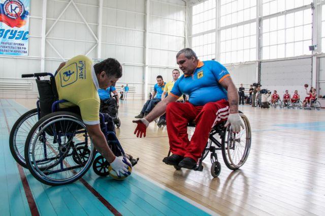 Люди с ограниченными возможностями дружат со спортом.