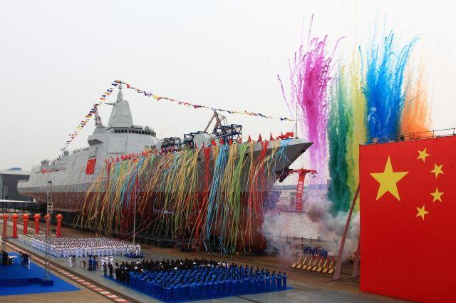 Китайский эсминец нового типа спущен на воду в КНР